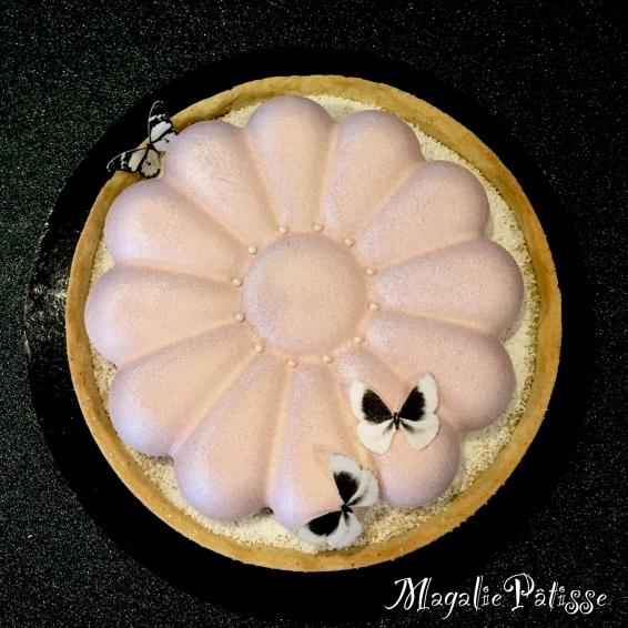 Entremets chocolat blanc ramboise sur pâte sablée vanille