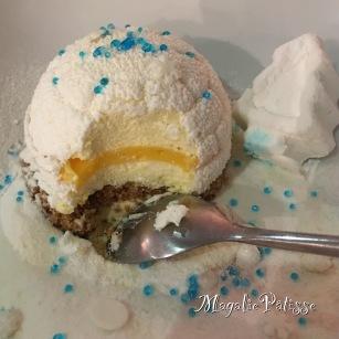 Entremets mousse vanille, insert curd citron gélifié sur biscuit palet breton, guimauve vanille